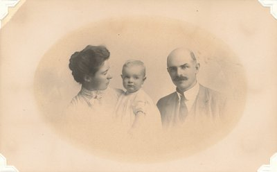 Rosalie John and Harvey 1908.jpg
